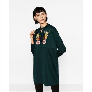 Zara W&B Collection Embroidered Shift Dress